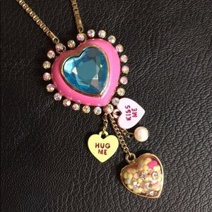 ISO i am looking to buy Betsey Johnson Necklace